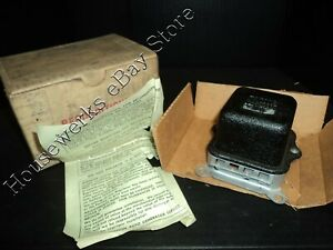 NOS - ALL PONTIACS - VOLTAGE REGULATOR 1119 511 - ( 1963-68 All ) - AR63