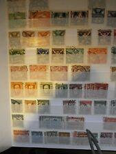 zwart insteekboek met postzegels van Tjecho-Slowakije.