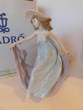 Retired LLADRO Spain May Dance 5662 Lady In Hat Dress Porcelain Figurine Orig Bo