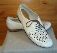 Clarks Active Air Cream Leather Cut Out Brogues Shoes Size 8 Pierced Detail