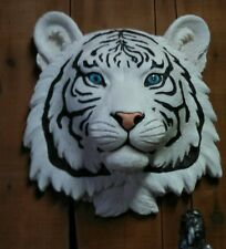 SMALL WHITE TIGER  HEAD MOUNT  TAXIDERMY LIKE.. HANGING DECORATION
