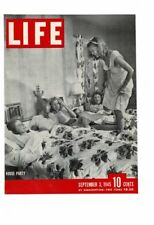 VINTAGE 1945 LIFE MAGAZINE COVER HOUSE PARTY PRETTY GIRLS SLUMBER PARTY AD PRINT