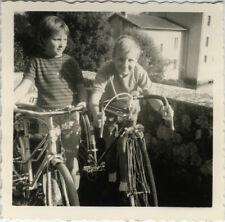 PHOTO ANCIENNE - VINTAGE SNAPSHOT - VÉLO DE COURSE BICYCLETTE ENFANT - BIKE