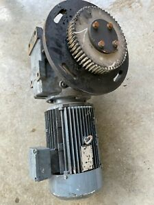5 Motor with gearbox for mixing tanks