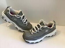 Skecher D'lites Size 8 EUC Gray Silver Sport Shoes.