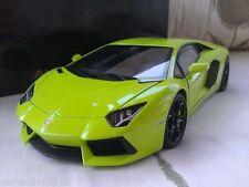 Artículos de automodelismo y aeromodelismo AUTOart color principal verde