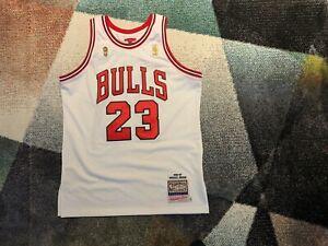 Authentic Michael Jordan Mitchell & Ness Chicago Bulls Jersey Finals Champ (L)
