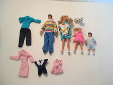 1988 HORSMAN DOLLHOUSE RUBBER DOLLS FAMILY & CLOTHES DOG