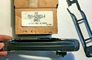 NOS 1991 92 Lincoln Town Car RIGHT HAND (RH) REAR OUTSIDE DOOR HANDLE -C12