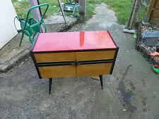 Petit meuble bas en formica, vintage, années 70, Giele und Flute