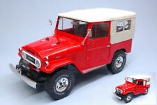 Toyota Land Cruiser Fj40 1967 W/ Closed Soft Top Red 1:18 Model TRIPLE 9