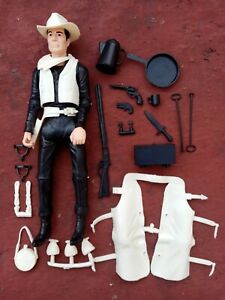 JOHNNY WEST BLACK WITH FULL ACCESORIES BLACK AND IVORY CLOTHES
