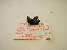Honda Goldwing GL1200 Cowl stay Clipnut LM5    64543-MG9-770