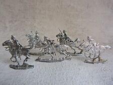 Plats d'étain K - flat tin - Zinnfiguren - 5 cavaliers anglais 1914 / 1918