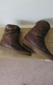RUSSELL @ BROMLEY BROWN LEATHER SLOUCH ANKLE BOOTS . EXCELLENT CONDITION SIZE 36