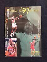 1997-98 COLLECTOR'S CHOICE #185 1997 NBA FINALS/GAME NIGHT/MICHAEL JORDAN/KARL M