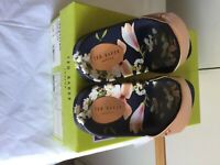 Ted Baker Navy Harmony ELIYZA Printed Slider, Rose gold, UK 5 (38)New in box//