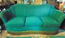 Green 1930's tufted sofa in Green Herculon material, in good condition. Lot 271