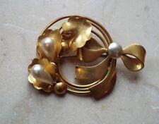 Vintage & Original Lovely Design  Gold Tone & Pearl Look Brooch