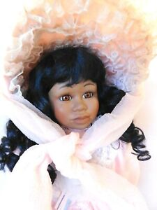"""SEYMOUR MANN """"CREOLE"""" AFRICAN AMERICAN CONNOISSEUR COLLECTION DOLL 19"""" W / STAND"""