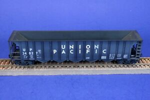 Lightly Weathered HO Scale Union Pacific Hopper 34027 +Metal Wheels & Knuckles