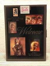 """**2000 OFFICIAL BARBIE COLLECTOR'S CLUB MEMBERSHIP KIT """"SUITS ME FINE"""" NIB**"""