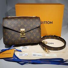 New Authentic Louis Vuitton Pochette Metis Monogram Canvas Bag Purse 2020 M44875