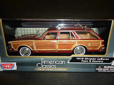 Motormax Chrysler LeBaron Town and Country 1979 Tan 1/24