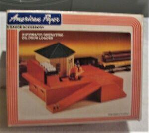 American Flyer 2300 operating oil drum loader in original box