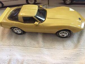 Jim Beam 1978 Chevy Corvette whiskey decanter, yellow
