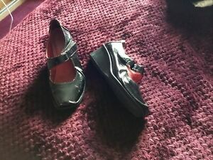 Clarks Black Patent Wedge Shoes Size 4.5