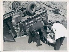 1937 Press Photo Police & Men Help Victim of Overturned WPA Truck Los Angeles