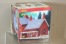 HORNBY R8530 SKALEDALE STATION WAITING ROOM OO SCALE MINT BOXED mw