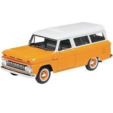 Revell 1/25 1966 Chevrolet Chevy Suburban PLASTIC MODEL KIT 85-4409 854409