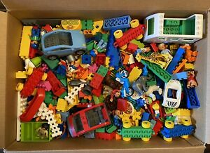 Lego Duplo HUGE Lot 11.5 pounds 375 Pieces 12 People Cars Animals Accessories