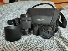 Sony Alpha 6000 + Zubehörpaket: 16-50, 55-210, Sonnenblende, Tasche