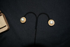 18K Yellow Gold Mabe Pearl Vintage Clip-On Twisted Cable Earrings Getz Jewelers