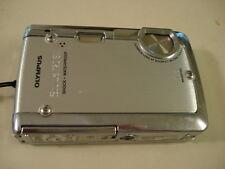 Very Nice Olympus 720SW 720 SW WaterProof 7MP Digital Camera