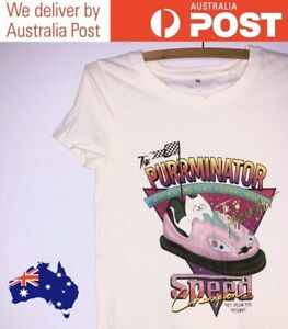 """CUTE CAT RACING GRAPHIC T-SHIRT - """"PURRMINATOR"""" WHITE, FITTED - COTTON ON SIZE S"""