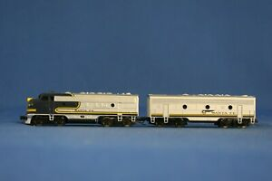 Z SCALE MICRO-TRAINS F7A (POWERED) AND F7B ATCHINSON, TOPEKA, & SANTA FE  - USED