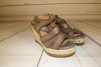Clarks Womens Wedge Sandal Platform Shoes Leather Brown/Taupe Strap Sz 7M