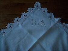 Linge ancien taie d'oreiller brodée et festonnée initiales CA