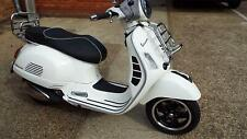 Vespa GTS 300 Super abs 2016 (66) reg bike  574 miles only superb with extras