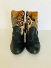 Tapestry & Leather  Western Unique Qupid Boots SZ 7 1/2