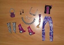 Lot MONSTER HIGH poupée Spectra Vondergeist son furet, vêtements & accessoires