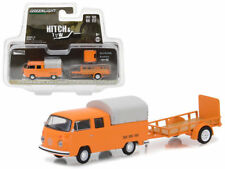 GREENLIGHT 1:64 HITCH & TOW 1978 VOLKSWAGEN TYPE 2 DOUBLE CAB PICKUP AND TRAILER
