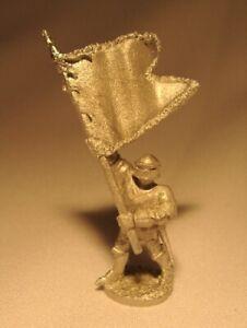 RAL PARTHA Fantasy MAN AT ARMS STANDARD BEARER RPG D&D Pathfinder 18040