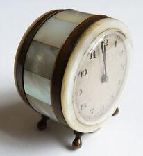 Pendulette pendule en nacre SWISS Made vers 1920 ancien clock mother of pearl
