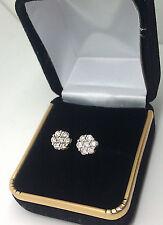 Nuevo Elegante 10 Quilates Oro Blanco 1ct Diamante Forma de la Flor Pendientes