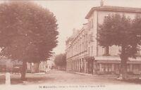 SAINT-MARCELLIN hôtel de ville et champ de mars